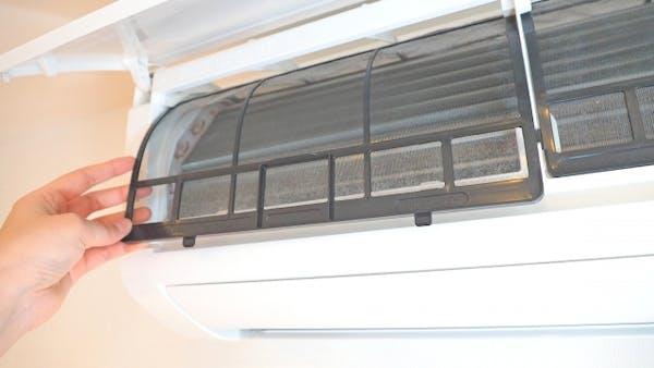 定期的な掃除がエアコンの故障予防に効果的
