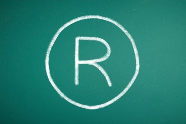 商標登録 rマーク