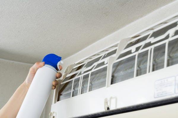 エアコンクリーナーを使った掃除方法の画像