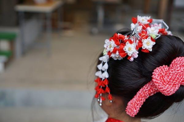 丸くてかわいい日本髪は七五三の女の子に人気の髪型