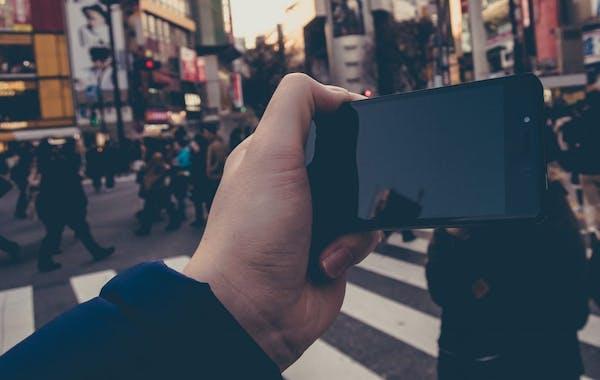 写真の映り込み(写り込み)を防ぐ手軽な方法 - ミツモア