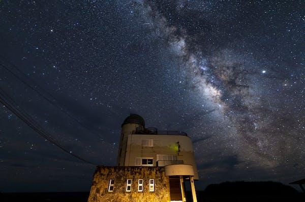 沖縄の星空の下でフォトウェディングを撮ろう