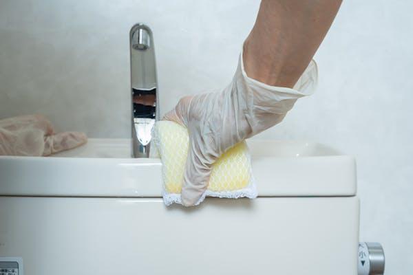 トイレタンクの掃除方法について解説