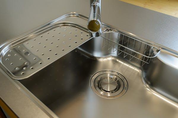 掃除をしても排水口の臭いが消えないときの対処法