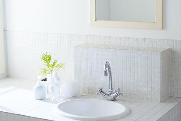 洗面台まわりの簡単な汚れの落とし方