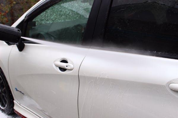 車ガラスの水垢掃除の仕方