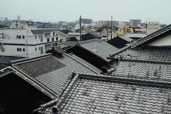金属屋根の工事と瓦屋根の工事の違いとは