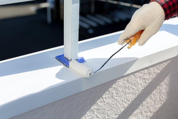 塗装場所や素材に適した錆止め塗料を塗る