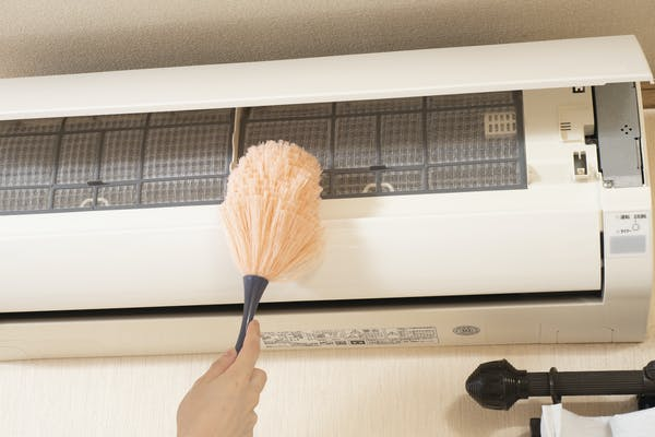 エアコン表面の掃除