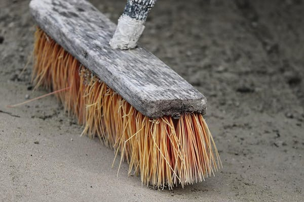掃除用のブラシ