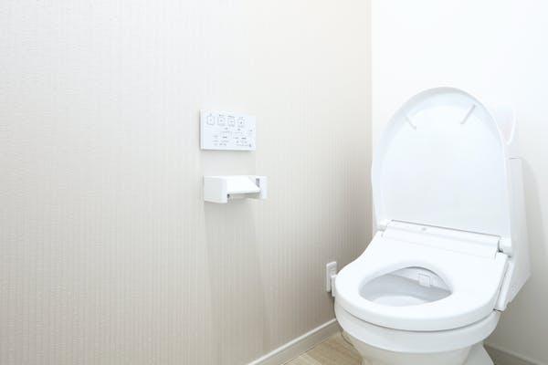 キレイな壁のトイレ
