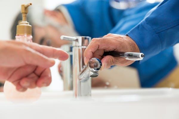 水漏れ修理業者
