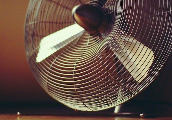 古くなった扇風機