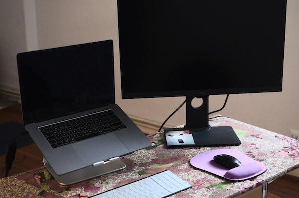 パソコンとモニター