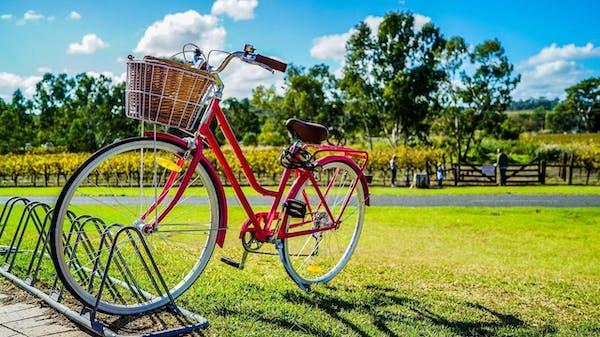 青空と自転車