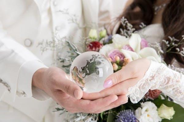 国際結婚した男女