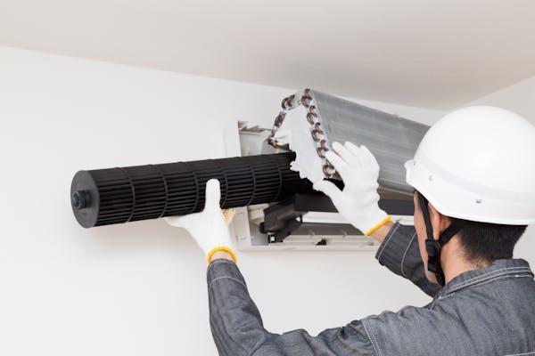 エアコン室内機分解クリーニングイメージ シロッコファンの取り外し 取り付け作業