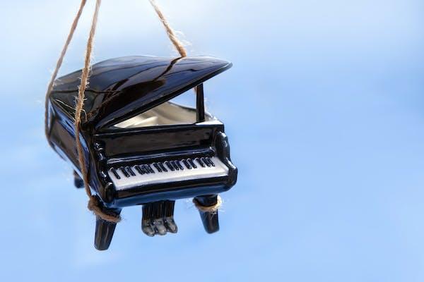 ピアノつり上げ