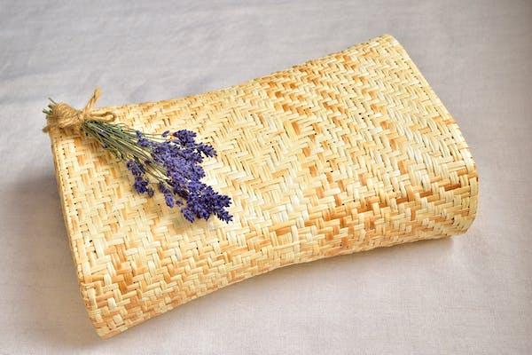 竹枕とラベンダーのポプリ