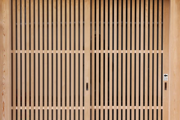 引き戸の扉